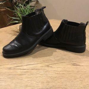 Convicton boots